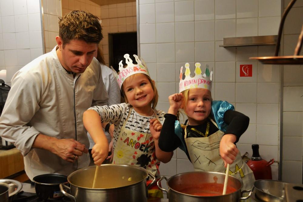Kinderfeestje Bij Ernst; maak je eigen tomatensoep